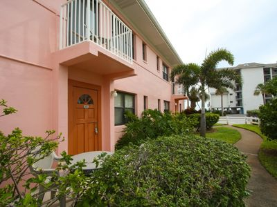 Located just across a quiet street to the beach access of St. Pete Beach