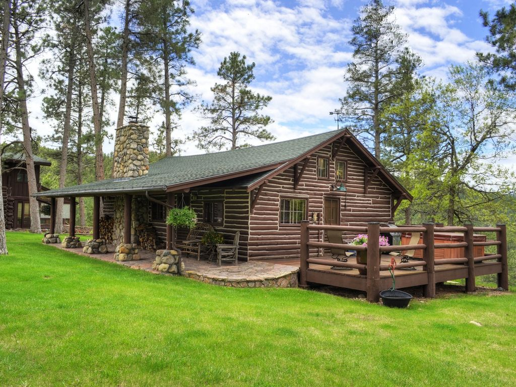 Beautiful rustic cabin vrbo for Rustic lodge