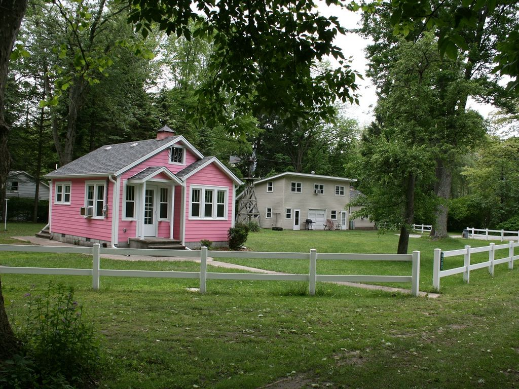 Lake Front Cottages In Michigan 39 S Harbor Country Vrbo