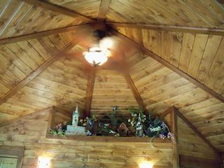 Bozeman cottage photo - Gorgeous ceiling with fan, alcove decorated in Humming bird theme