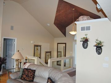 Beautiful home, vaulted ceiling
