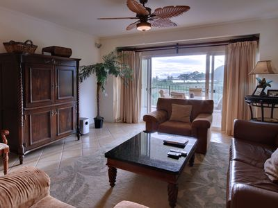Jaco condo rental - Comfort living room