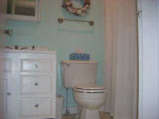 Old Orchard Beach house photo - Downstairs Bathroom w/Tub