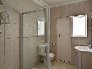 Constantia villa photo - One of 3 bathrooms with spacious shower