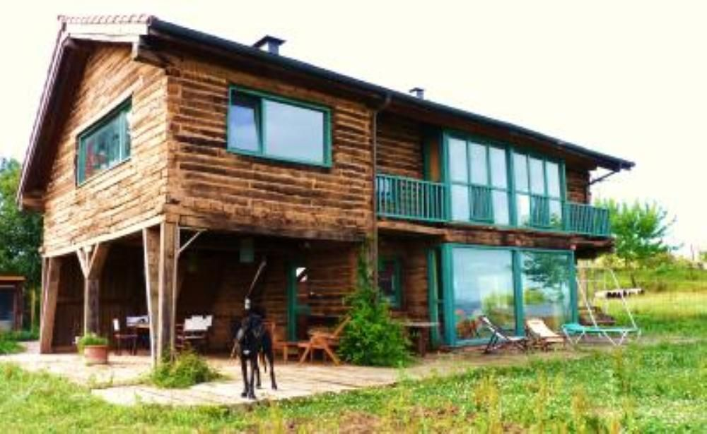 House 130 square meters, close to the sea