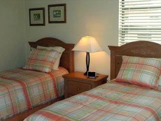 Seaview condo photo - Second Bedroom with Twin Beds and DVD player