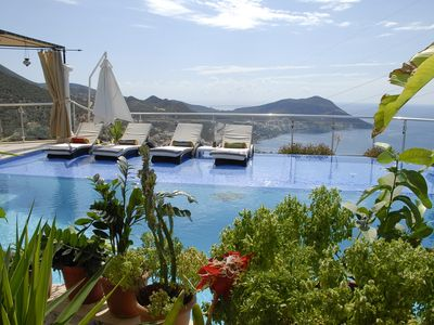 Exceptionally large 5 bedroom villa, infinity pool, panoramic views
