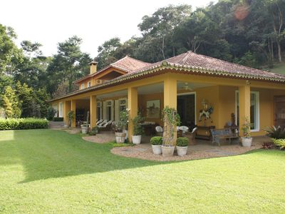 Beautiful and charming mansion surrounded by greenery and with total privacy