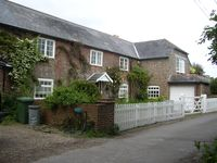 5 Bed 5 bath secluded holiday cottage with stunning views overlooking the solent
