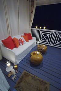 Veranda Lounge at night