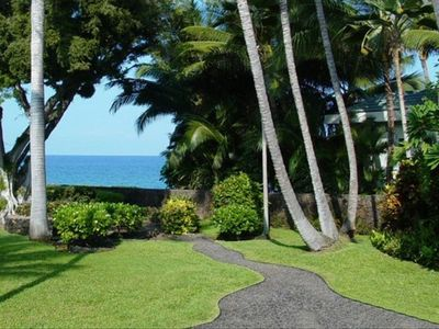 Kailua Kona house rental - Pathway to the Ocean from patio of the property
