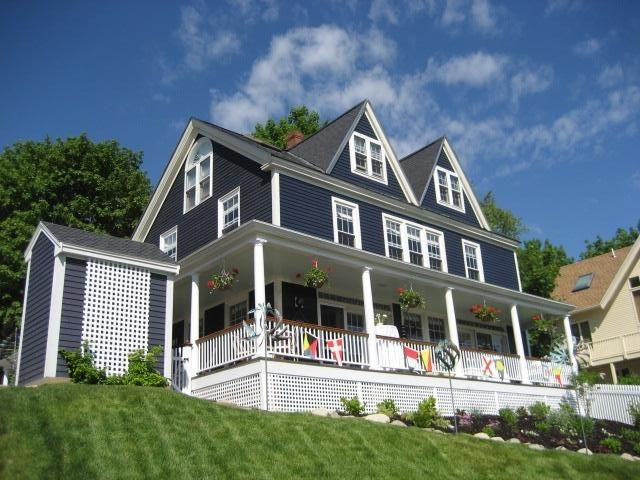Renovated Maine Captain's Colonial 'Bluebrier' Overlooking 'The Port'