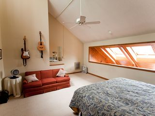 Beech Mountain condo photo - King bed