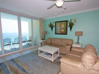Gulf Shores condo photo - Sofa sleeper in living room