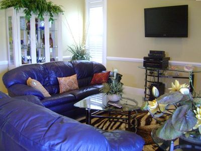 Elegant Ling Area with flat screen TV