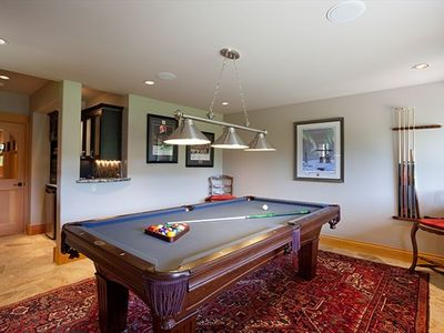 Games Room/ pool table
