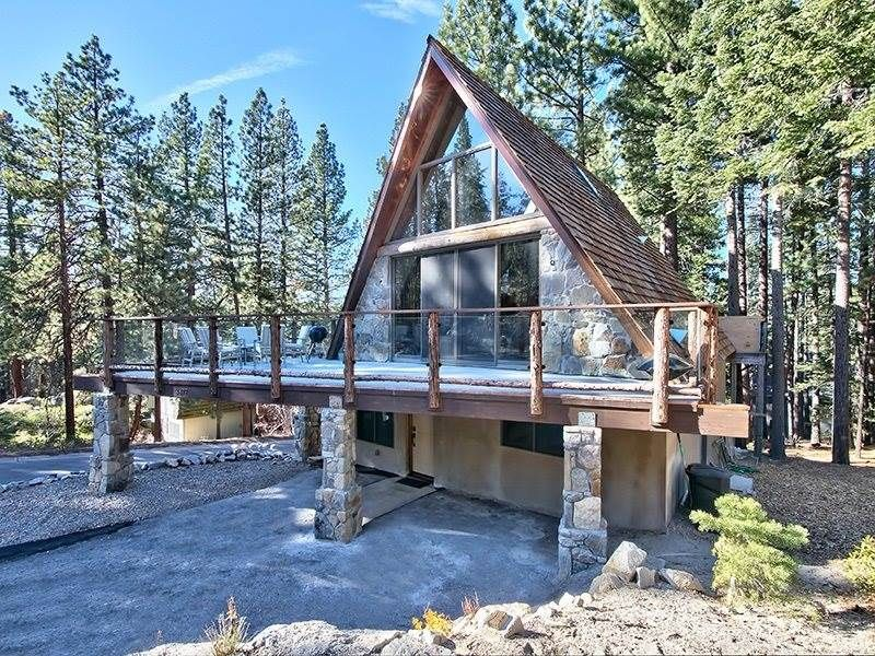 3877 crest luxury ski cabin homeaway south lake tahoe for Cabins to rent in tahoe