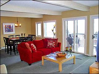 Snowmass Village condo photo - Living room dining room area