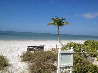 Fort Myers Beach cottage photo - Our private beach!