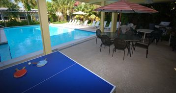 Ping-pong table, pool, patio, bbq...!