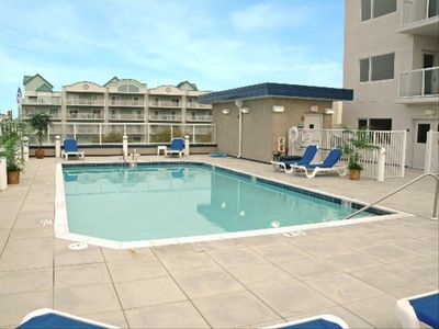 Outdoor, heated Rooftop Pool
