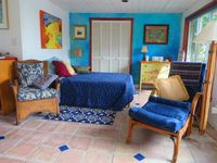 Tropical Downtown Studio Apt. Near The  Beach & 6 Museums Including The Dali.