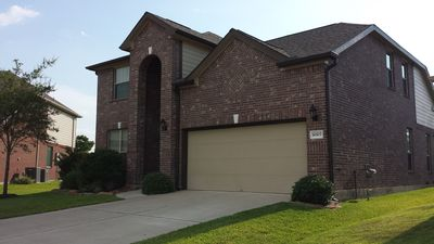 FULLY Furnished, Nicely Maintained Fairfield Home. Relax in Cypress, TX