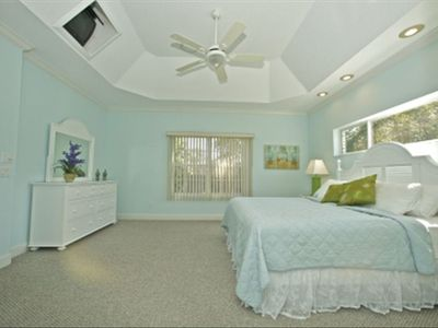 Spacious mastersuite with King Bed