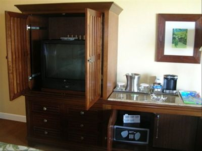 Lihue hotel rental - Some of the room's furnishings..Armoire with Cable
