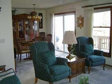 Hot Springs Village townhome rental - View from Living Room into Dining Area