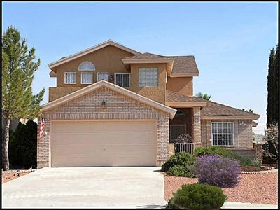 Featured 5 star rating spacious 2 story vrbo for Classic american homes el paso tx