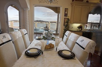Dinning elegance with spectacular views