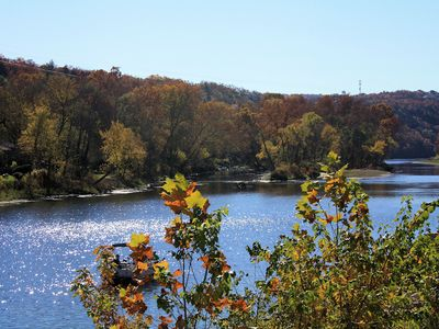Autumn on Lake Taneycomo