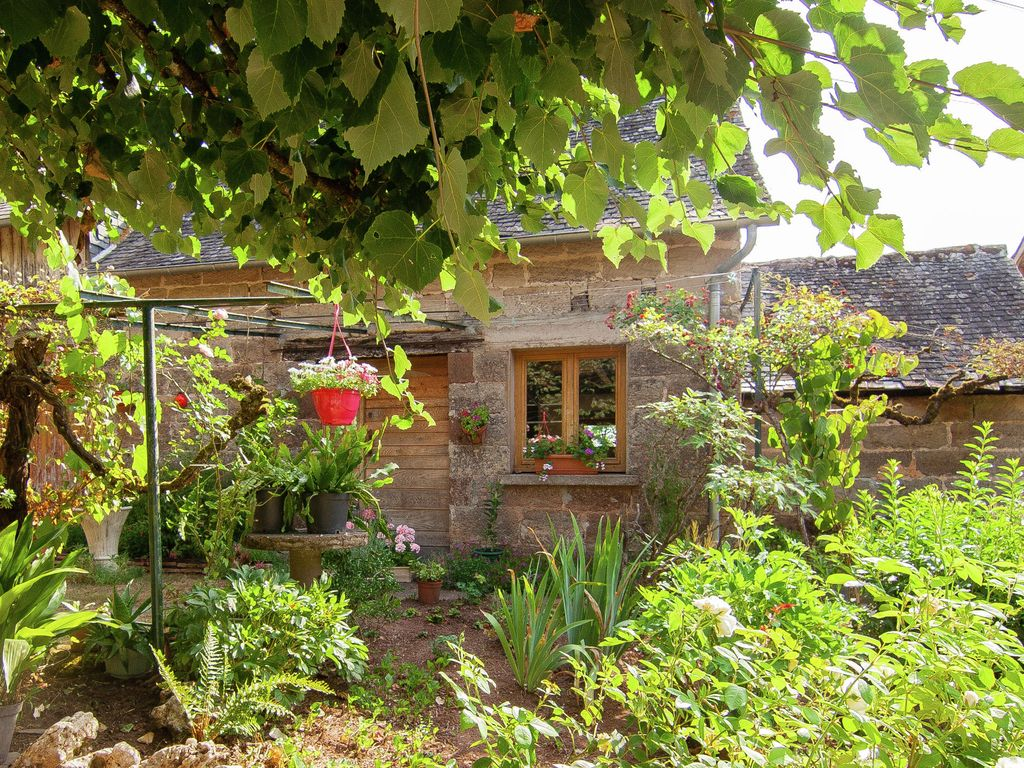 Sweet and comfortable little house in the french countryside 1 br vacation cottage for rent in - Vacation houses in the countryside ...