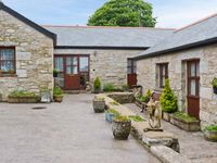 BULL PEN COTTAGE, family friendly, with a garden in Mabe, Ref 24930