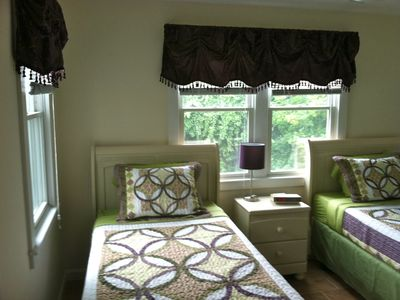 Bedroom 2: Includes 2 extra long twin beds