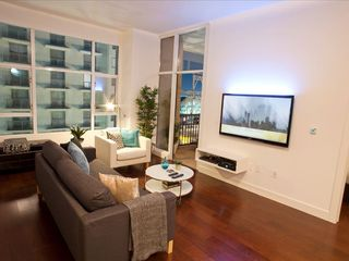 Living room view with Flat Screen - San Diego condo vacation rental photo