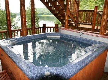 Hot Tub- Lower Deck