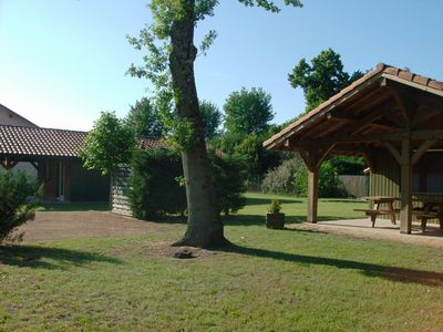 CHALET COMFORT, covered terrace, barbecue, kennel.