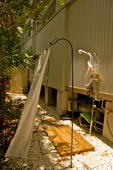 Sanibel Island cottage photo - Amazing outdoor shower (hot and cold)