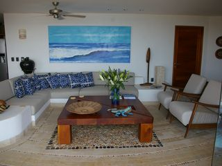 Zihuatanejo condo photo - Living Room - roomy and comfortable