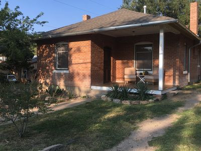 Sunny, clean, and cozy!  Walking distance to downtown and WNMU!  Pet Friendly!