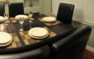 Dining area seat up to 8 guests