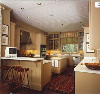 Gourmet Kitchen and Breakfast Area, Viking Range and SubZero Refrigerator