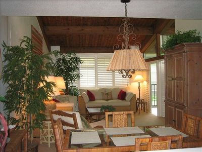 Sanibel Island condo rental - Live in a Natural Paradise/ Tropical Decor & High Wooden Ceilings!