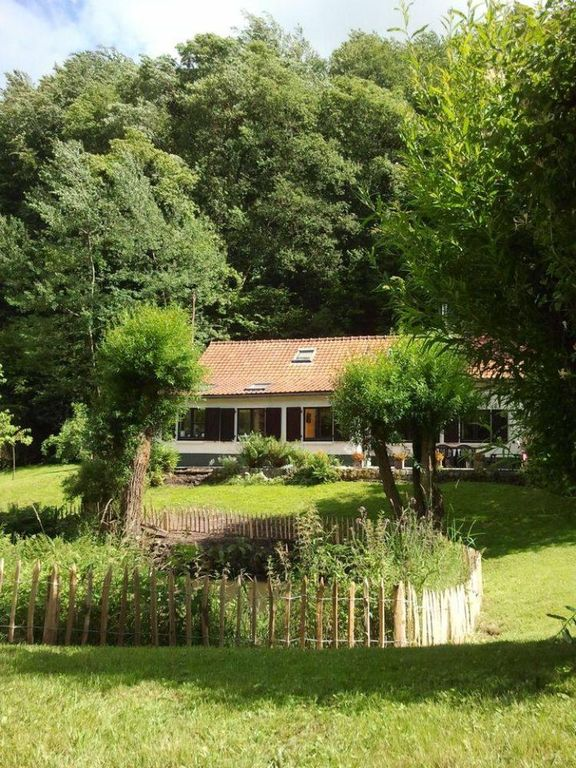 Charming cottage in magnificent garden, 25 kms. from Brussels
