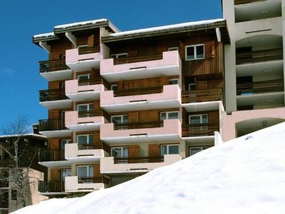 Apartment in Les Deux Alpes with cozy indoor pool.