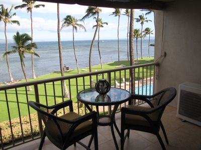 LANAI with Bar Height table & chairs