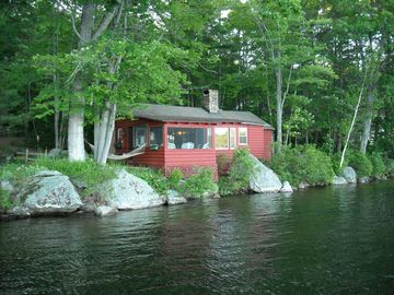 Main cabin, right on the lake!