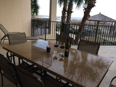 Beautiful Views From This Huge Upscale Condo!